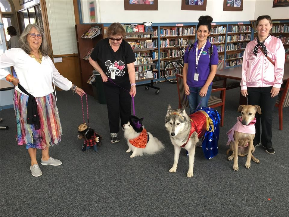 Canine's for Comfort Halloween Visit